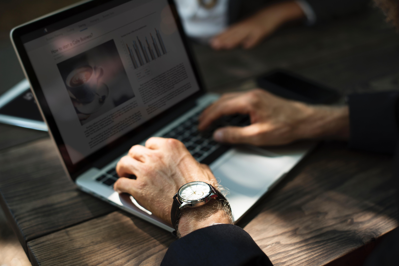 Förenkla ditt arbete med bokföring online