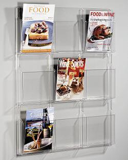 broschyrställ på en vägg | Biztrends